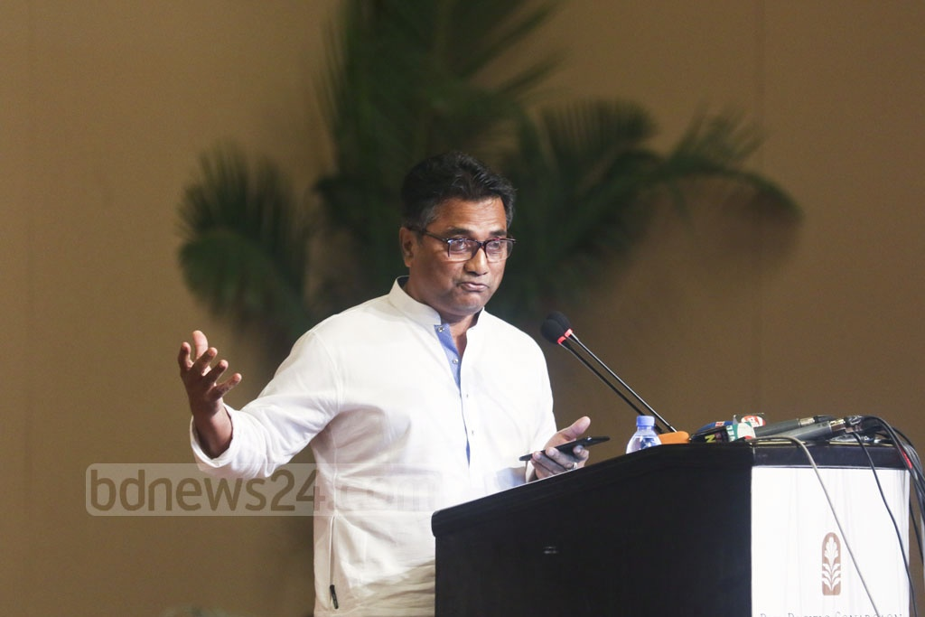 Dhaka North City Corporation Mayor Annisul Huq gestures while addressing a seminar titled 'Towards Great Dhaka' in the capital on Wednesday. Photo: abdul mannan
