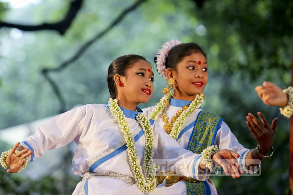 Young dancers of the Satyen Sen School of Performing Arts perform in a festival celebrating the rainy season at Dhaka's University's Faculty of Fine Arts on Friday. Photo: asaduzzaman pramanik