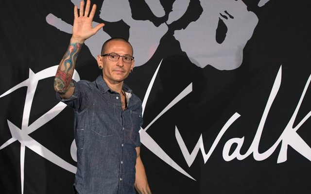 Linkin Park singer Chester Bennington commits suicide by
