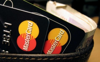 MasterCard credit cards are seen in this illustrative photograph taken in London December 8, 2010. Reuters
