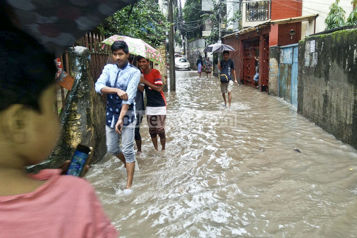 Almost all roads in Indira Road were submerged.