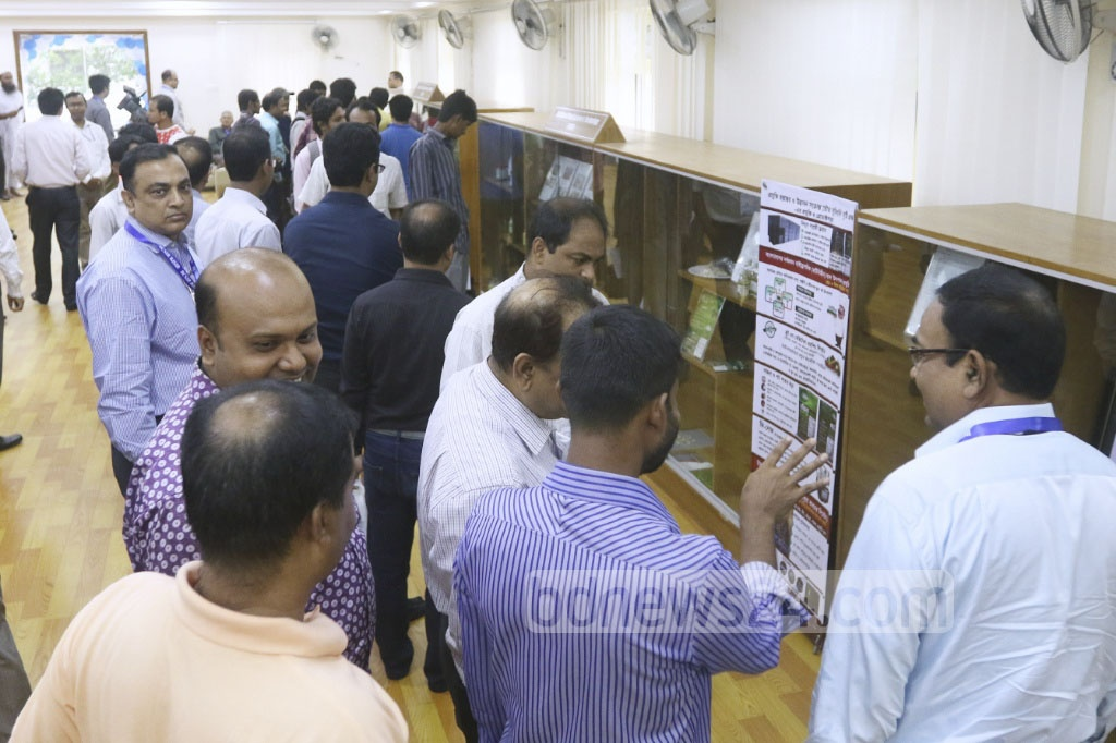 Visitors looks at exhibits at the Innovation Gallery organised by the Bangladesh Council of Scientific and Industrial Research on Sunday. Photo: asaduzzaman pramanik