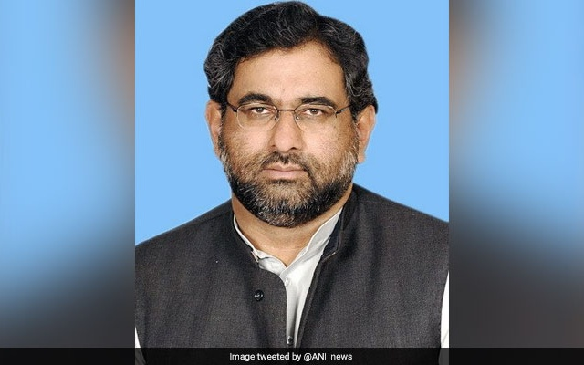 Pak PM Abbasi face physical security check at USA airport