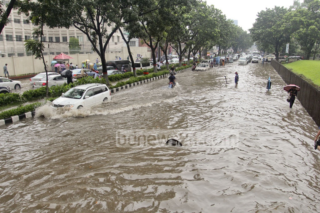 The roads and areas around the administration hub, the Secretariat, were waterlogged on Wednesday afternoon after heavy rains. Photo: asif mahmud ove