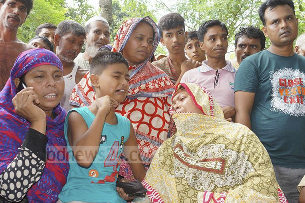 The body of one of the two schoolboys, who went missing on Monday, was recovered from the Padma River on Tuesday in Pabna's Ishwardi.