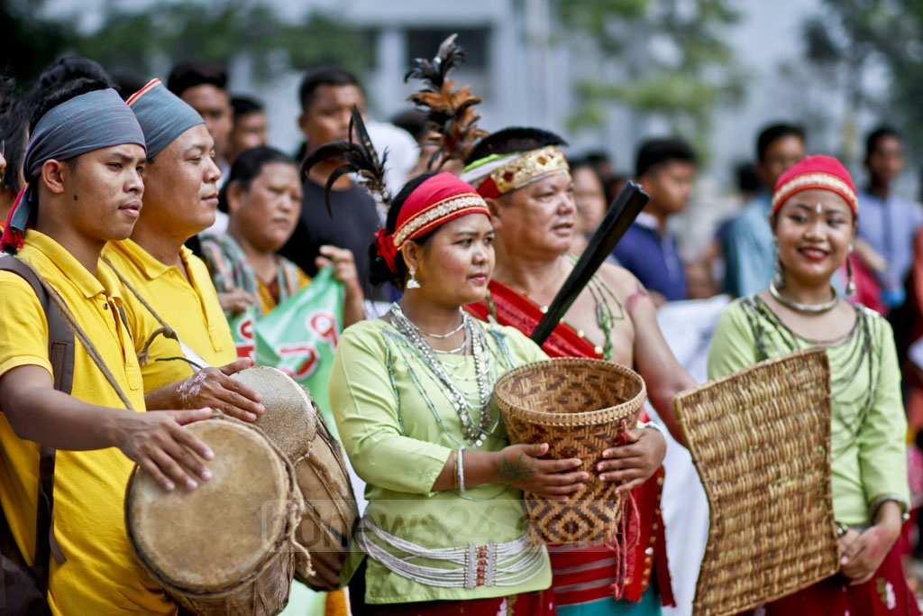 Bangladesh Indigenous Peoples' Forum observes the International Day of the World's Indigenous Peoples by holding a programme at Dhaka's Central Shaheed Minar on Wednesday. Photo: tanvir ahammed