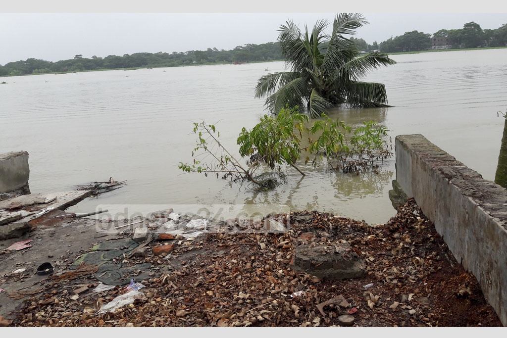 Erosion of the Madhumati river devoured many homes, land, and shops in a week at Chitolmari Upazila in Bagherhat. The photo is taken on Saturday.