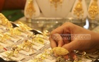 Jewellers hike per bhori gold price beyond Tk 50,000