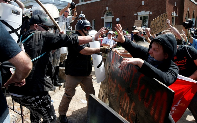 White supremacists clash with counter protesters at a rally in Charlottesville, Virginia, US, Aug 12, 2017. Reuters