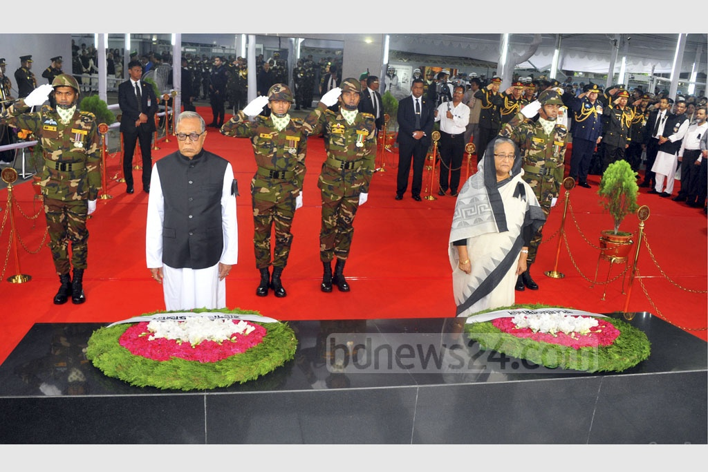 President Md Abdul Hamid and Prime Minister Sheikh Hasina pay their homages to Bangabandhu Sheikh Mujibur Rahman at Dhanmondi 32 on National Mourning Day, marking the death anniversary of the nation's founding father on Tuesday. Photo: Yeasin Kabir Joy