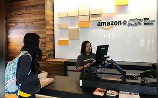FILE PHOTO: An Amazon pickup location is seen at the University of California in Berkeley, California, U.S. August 14, 2017. Reuters
