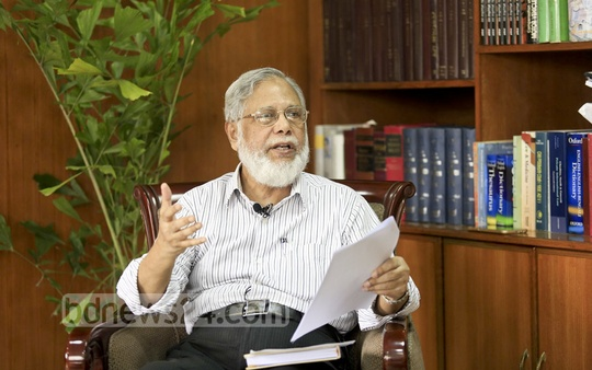 Law Commission Chairman ABM Khairul Haque talks about issues involving the judiciary during a media briefing in his office on Thursday. Photo: tanvir ahammed
