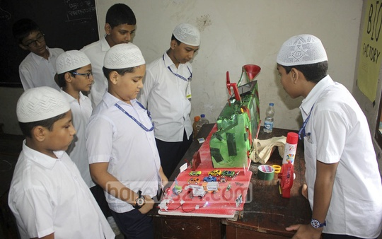 The 10th science fair at Motijheel Ideal School and College in the capital started on Thursday. Little scientists from 120 institutions of the country are taking part in the three-day fair.