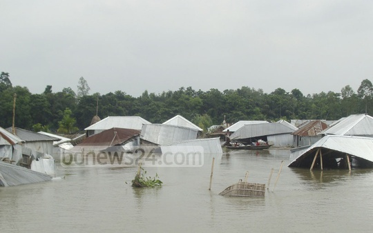 Flood-ravaged Jagmohan Char area in Kurhigram's Sadar Upazila.