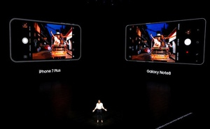 Suzanne De Silva, Samsung Electronics Mobile Communications Director of Product Strategy introduces the Galaxy Note 8 smartphone during a launch event in New York City, US, August 23, 2017. Reuters