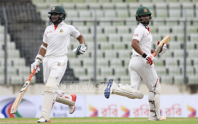 Long road back for struggling Australia in Bangladesh Test