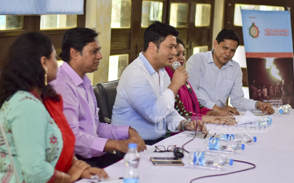 Actor Ferdous, the goodwill ambassador for a joint project of Dhaka University's TV, film and photography department and the UNDP, speaks to media at a programme titled 'Inclusion of Youth and Minorities for Peace' at the university's TSC on Monday.