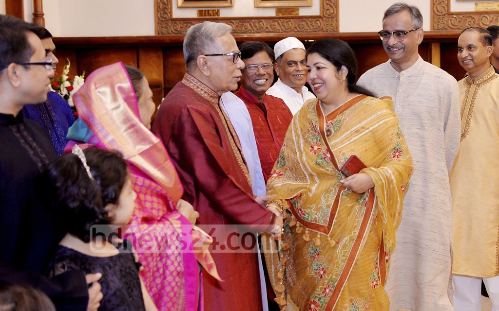 Speaker Shirin Sharmin Chaudhury exchanges Eid greetings with President Md Abdul Hamid at the Bangabhaban on Saturday.