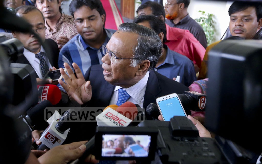 Foreign Minister AH Mahmood Ali speaks to reporters after a meeting with Dhaka-based diplomats of South and Southeast Asian countries on the current Rohingya crisis at state guesthouse Padma on Monday. Photo: asaduzzaman pramanik