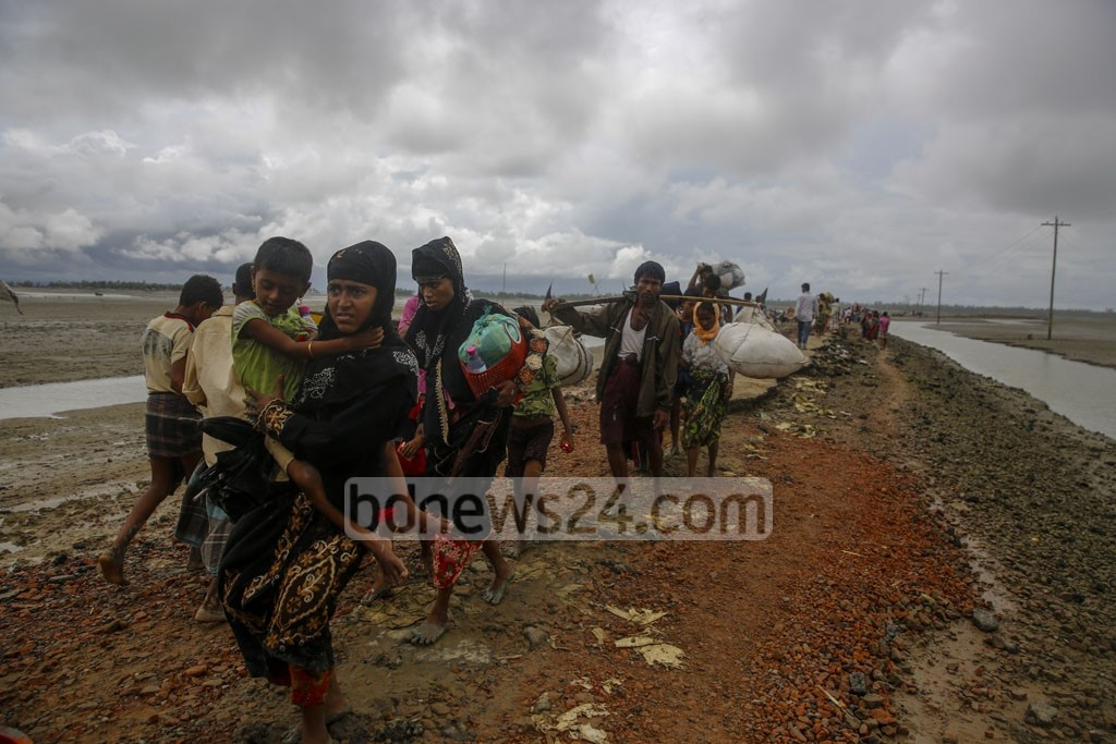 Women and children made up the majority of Rohingya refugees entering Bangladesh on Tuesday. Photo: mostafigur rahman