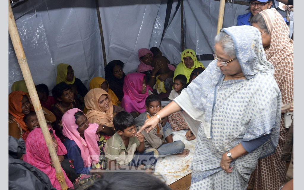 Prime Minister Sheikh Hasina inspects the Kutupalong Rohingya refugee camp in Cox's Bazar's Ukhia on Tuesday. Photo: PID