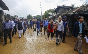 File Photo: Dhaka-based diplomats visited refugee camps at Kutupalong in Cox's Bazar on Sept 13, 2017, amid a fresh wave of Rohingya exodus into Bangladesh.