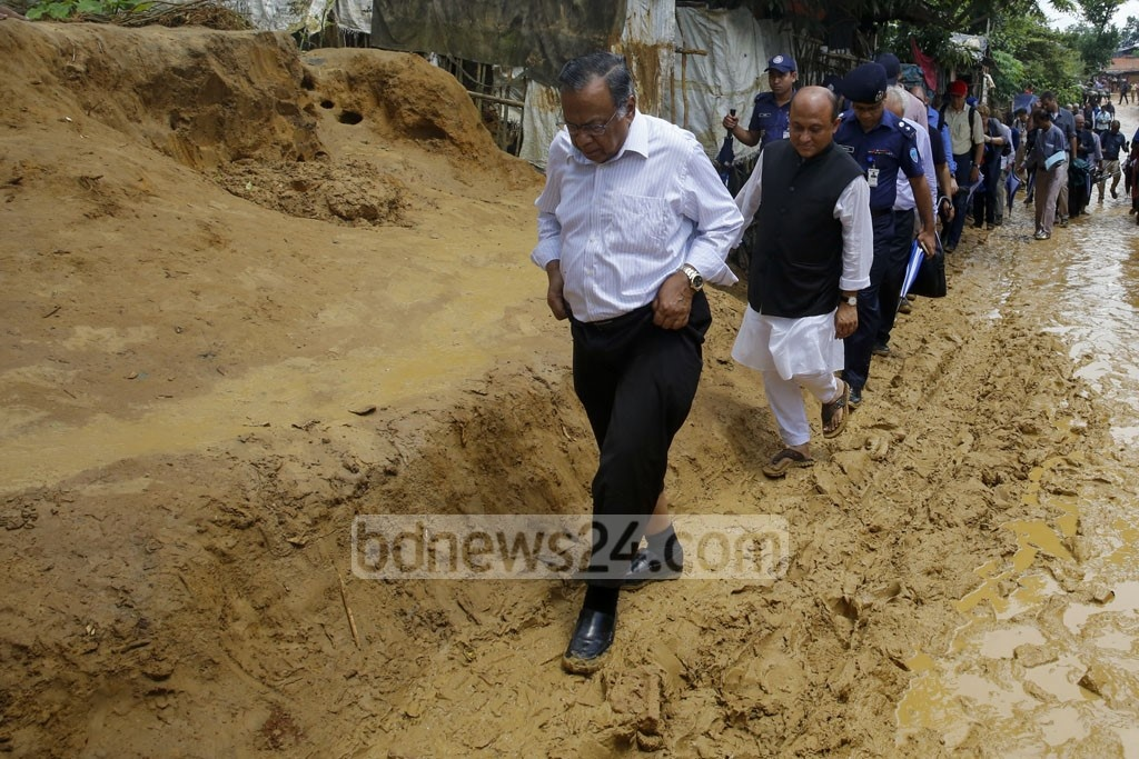Foreign Minister AH Mahmood Ali accompanies a team of Dhaka-based diplomats of 46 countries on a visit to a Rohingya refugee camp at Kutupalong in Cox's Bazar on Wednesday.