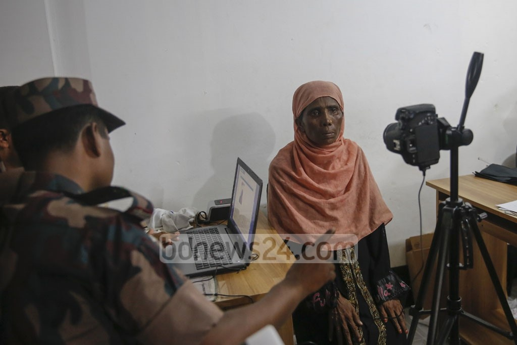 The biometric registration of Rohingyas is conducted at the Kutupalong refugee camp. Photo: mostafigur rahman