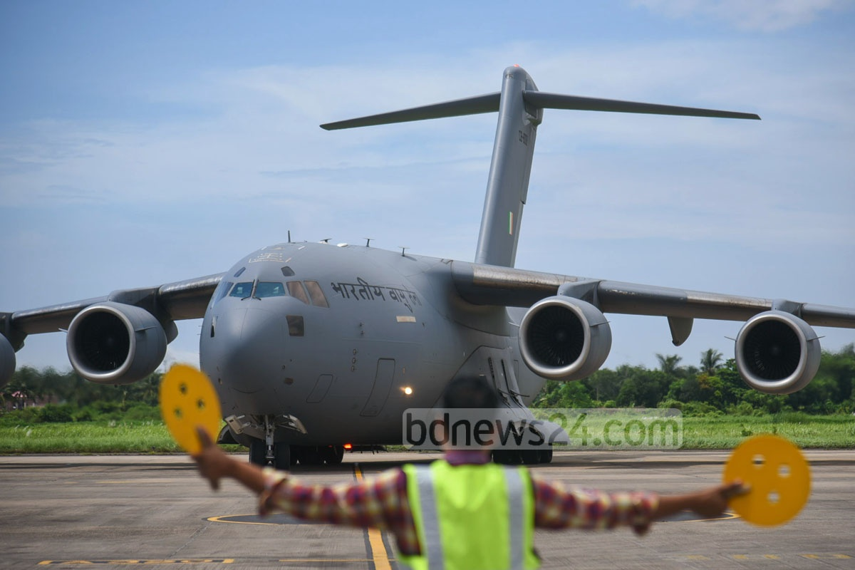 A special aircraft of the Indian Air Force lands at the Shah Amanat International Airport in Chittagong on Thursday with 53 tonnes of relief materials for Rohingya refugees. Photo: suman babu