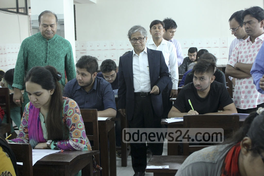 Vice-Chancellor Professor Md Akhtaruzzaman visits a centre of Dhaka University's 'Ga' unit admission test on Friday. Photo: abdul mannan