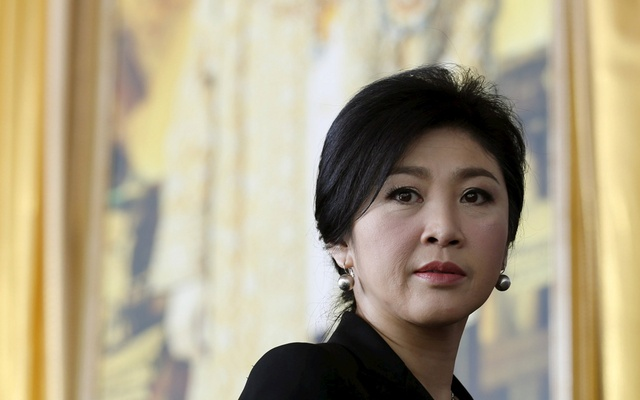 File Photo: Ousted former Thai Prime Minister Yingluck Shinawatra arrives at the criminal court in Bangkok, Thailand, Sept 29, 2015. Reuters