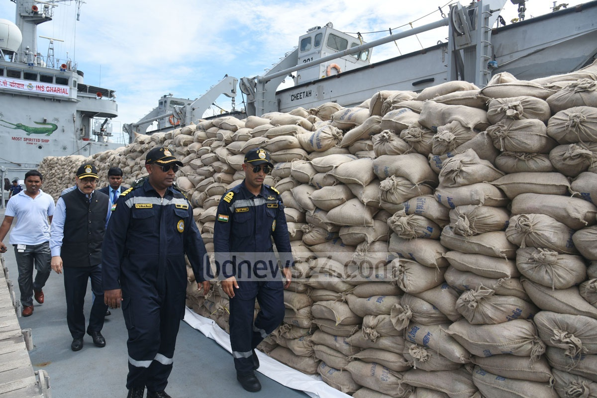 INS Gharial, an Indian Navy ship, arrives at Chittagong port with 700 tonnes of aid for Rohingya refugees in Bangladesh, before a meeting of the UN Security Council over Myanmar violence on Thursday. Photo: suman babu