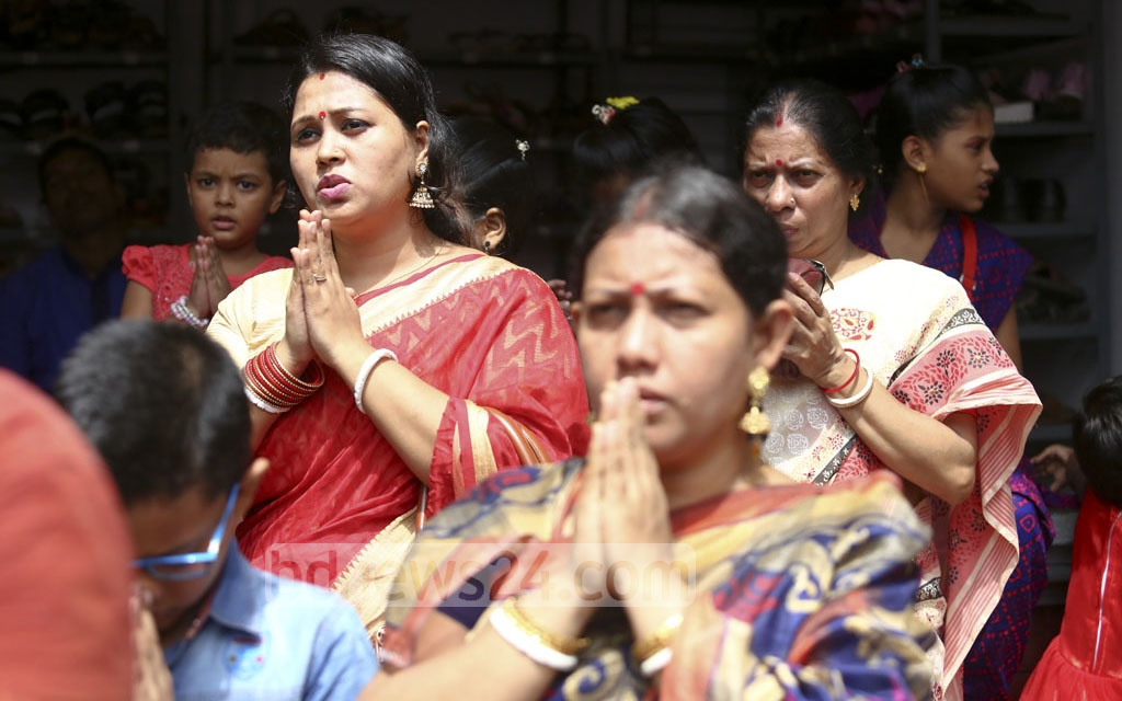 Devotees at the Kumari Puja being held at the Ramkrishna Mission on Thursday. Photo: asif mahmud ove