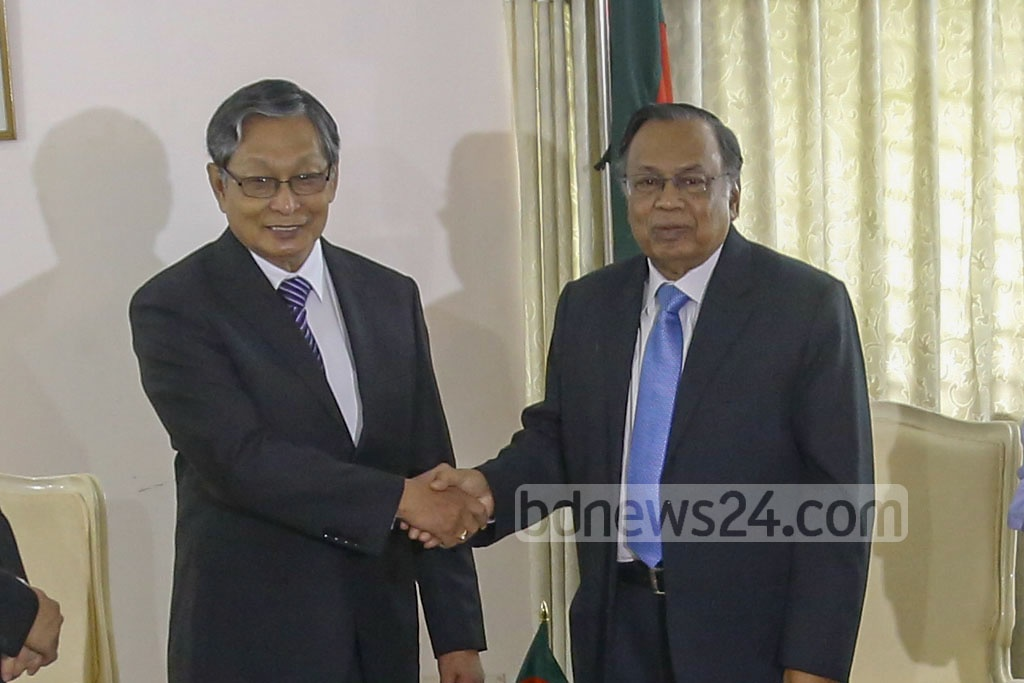Myanmar's Minister for the Office of the State Counsellor of Myanmar Kyaw Tint Swe (left) and Bangladesh Foreign Minister AH Mahmood Ali led the delegations of the two countries during Monday's talks on the Rohingya crisis. A joint working group will be formed to repatriate the refugees, Ali told the media after the talks. Photo: mostafigur rahman