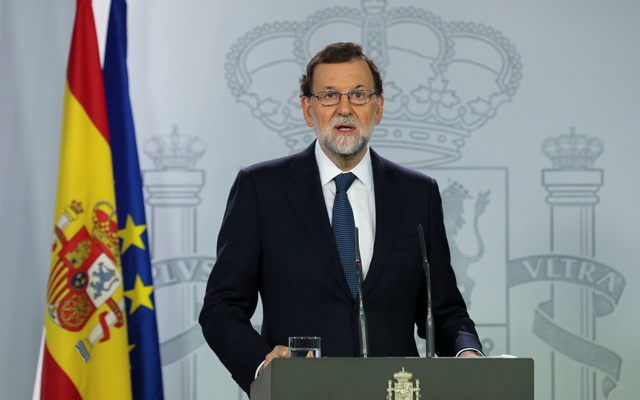 Spanish Prime Minister Mariano Rajoy delivers a statement at the Moncloa Palace in Madrid, Spain, Oct 11, 2017. Reuters