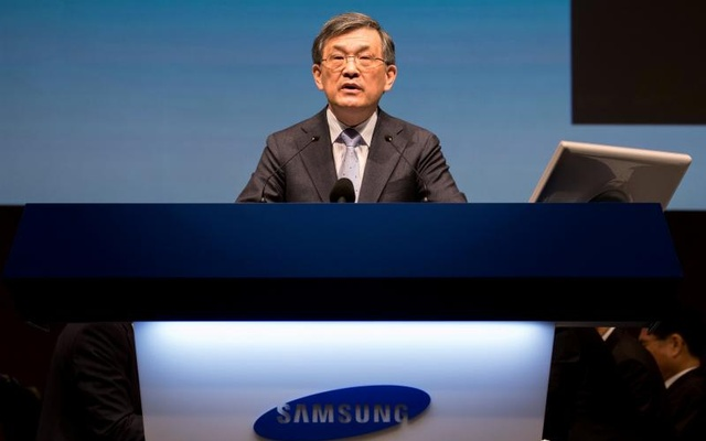 FILE PHOTO: Kwon Oh-Hyun, co-chief executive officer of Samsung Electronics Co., speaks during the company's annual general meeting at the Seocho office building in Seoul, South Korea, March 24, 2017. Reuters