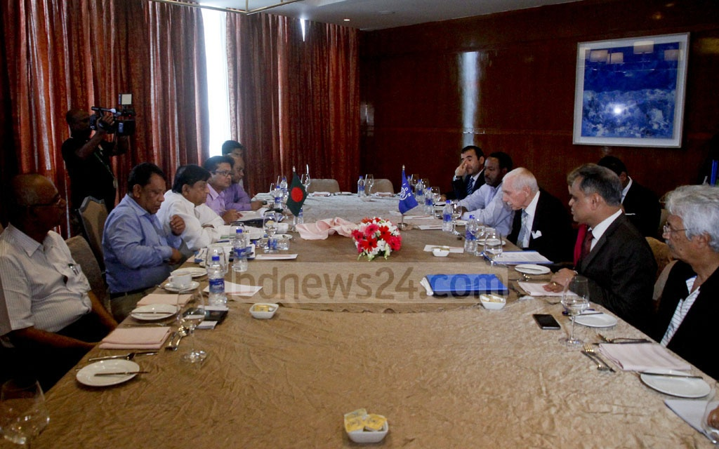 Representatives of the Ministry of Disaster Management and Relief, and the International Organization for Migration (IOM) discuss the Rohingya refugee crisis during a meeting at Dhaka's Hotel Westin on Tuesday. Photo: tanvir ahammed