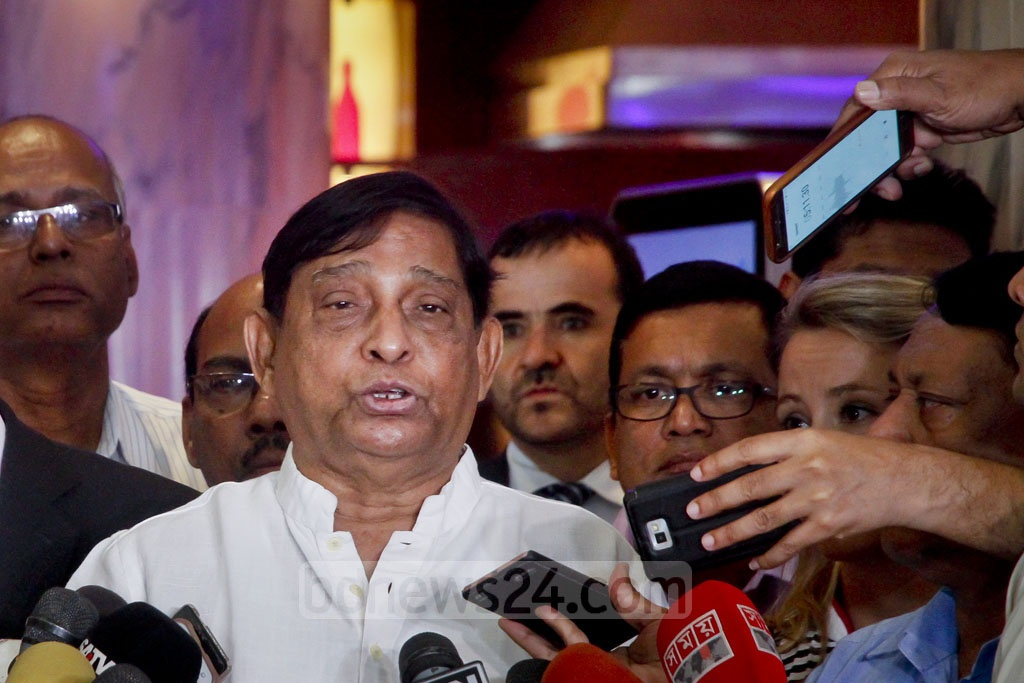 Minister of Disaster Management and Relief Mofazzal Hossain Chowdhury Maya speaks to reporters at Dhaka's Hotel Westin after a meeting to discuss the Rohingya crisis with the International Organization for Migration (IOM) on Tuesday. Photo: tanvir ahammed
