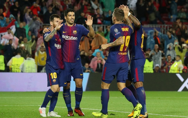 Champions League - FC Barcelona vs Olympiacos - Camp Nou, Barcelona, Spain - Oct 18, 2017 Barcelona's Lucas Digne celebrates scoring their third goal with Paulinho, Lionel Messi and Luis Suarez. Reuters