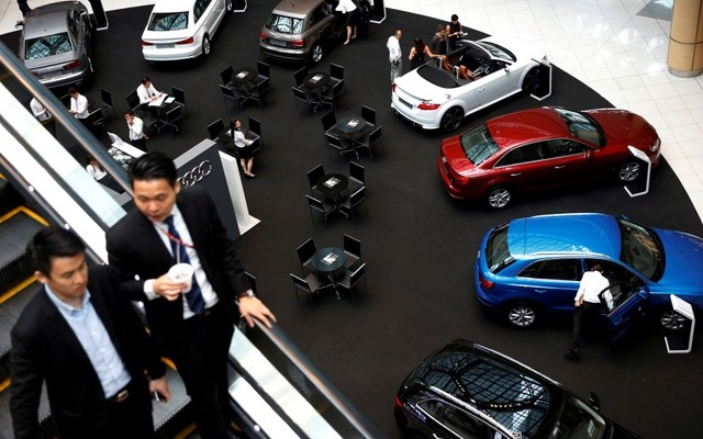 Singapore to Start Limiting Private Car Ownership