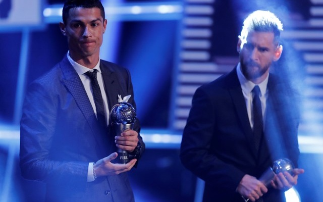 The Best FIFA Football Awards - London Palladium, London, Britain - October 23, 2017 Real Madrid's Cristiano Ronaldo and Barcelona's Lionel Messi after being selected in the FIFA FIFPro World 11 during the awards REUTERS/Eddie Keogh