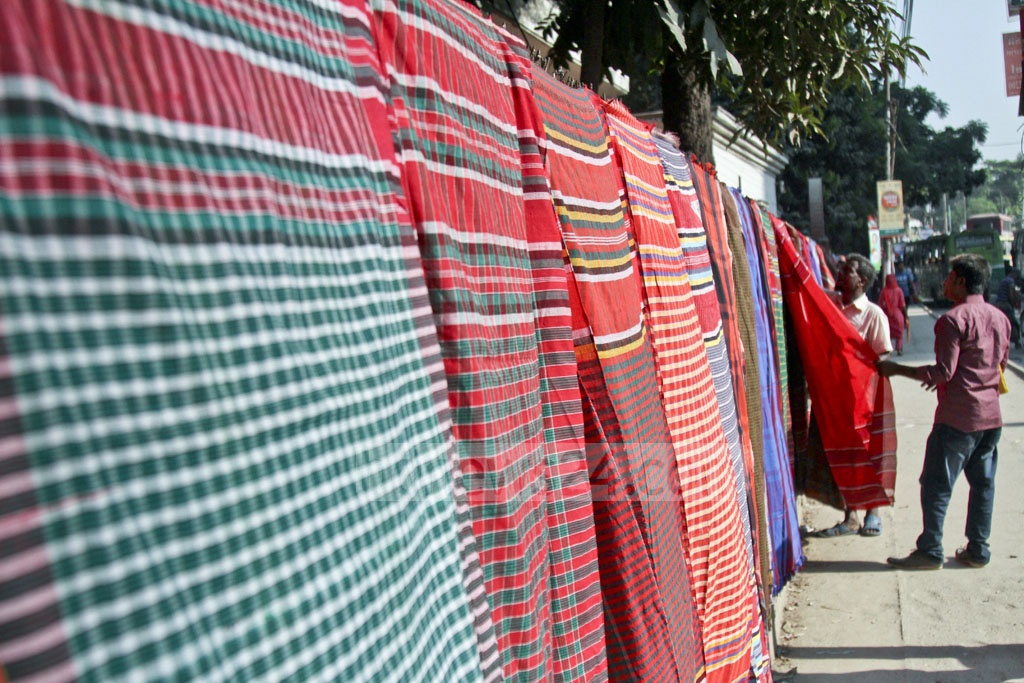 Unlike the western-style thick towels, Gamchhas are better suited to Bangladesh's tropical weather. Photo: dipu malakar
