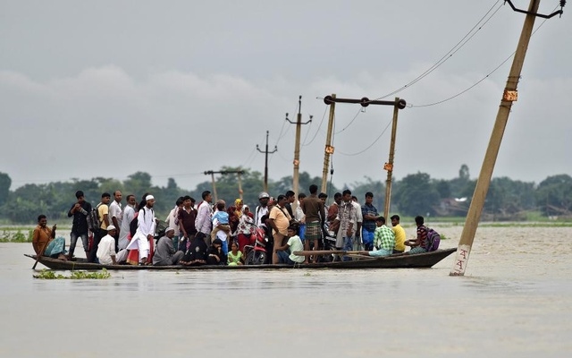 14 drown as boat capsizes in Krishna river