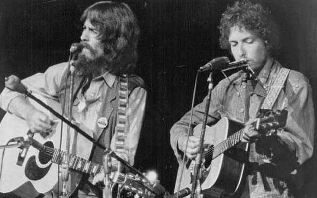 Bob Dylan Guitar From Rolling Thunder Revue Sells For $400000 at Auction