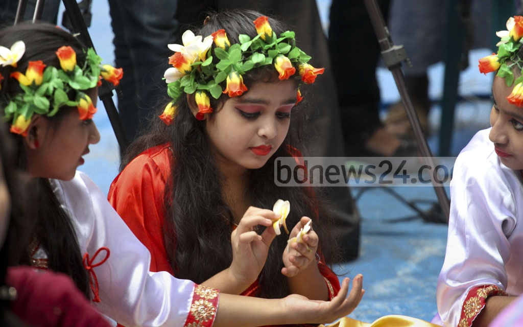 Children join the celebrations of Nobanno Utsav at the Institute of Fine Arts in Dhaka on Wednesday. Photo: dipu malakar