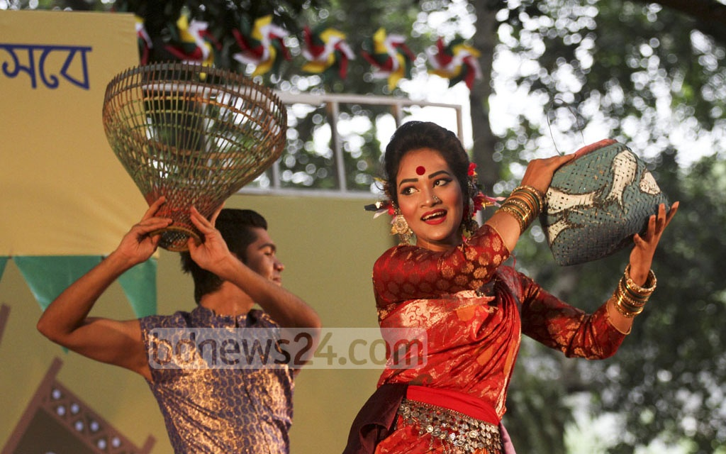 Dancers perform at a programme celebrating Nobanno Utsav at the Institute of Fine Arts in Dhaka on Wednesday. Photo: dipu malakar