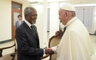 FILE PHOTO: Pope Francis greets Kofi Annan during a private audience at the Vatican November 6, 2017. Osservatore Romano/Handout via Reuters