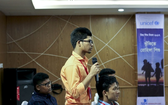 A child journalist asks a question at a discussion organised by bdnews24.com's 'Hello' at a hotel in Cox's Bazar on Sunday on the challenges faced by children at Rohingya refugee camps and ways to end their plights.