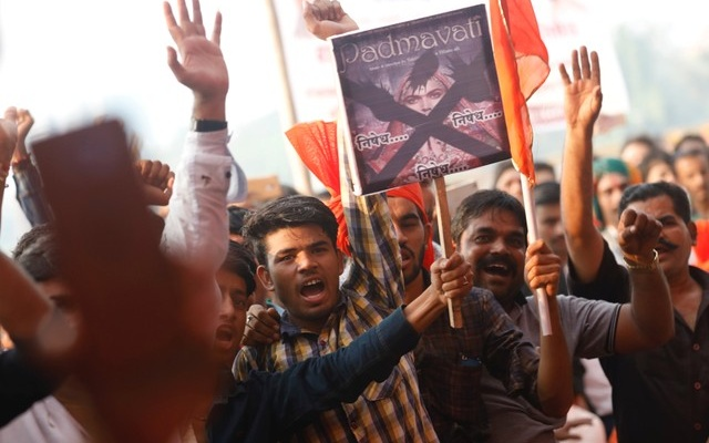 Members of Rajput community chant slogans as they protest against the release of the upcoming Bollywood movie 'Padmavati' in Mumbai, India, November 20, 2017. Reuters