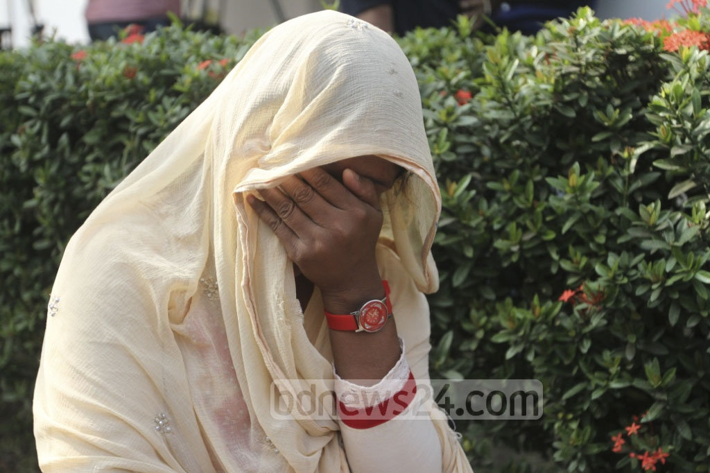 Jannatul Ferdous lost her mother, a nurse at the Peelkhana headquarters of erstwhile BDR, to the bloody 2009 mutiny. She breaks down after hearing the High verdict, which upheld the death sentence of her father in the case over the massacre on Monday. Photo: dipu malakar